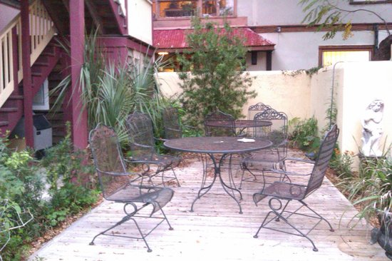 Casa de Solana Bed and Breakfast:                   Grounds
