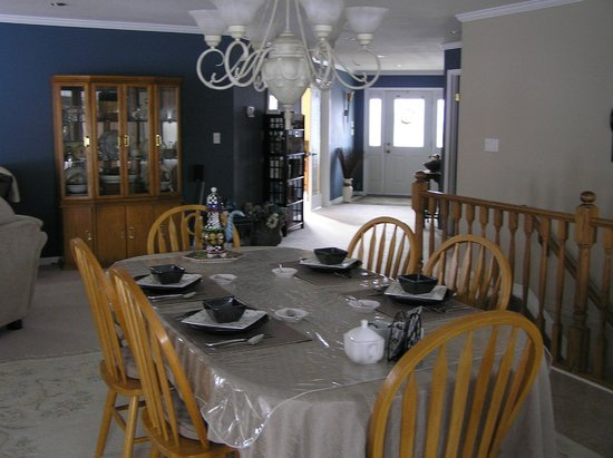 Pheasants Run B&B: Guest dining area