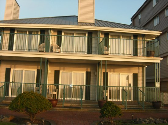 Inn at the Prom:                   Building facing ocean