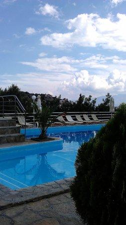 Golden Apartments: pool :)