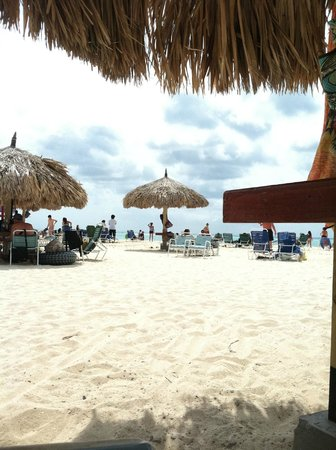 La Cabana Beach Resort & Casino:                   palapas