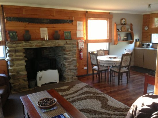 Duffy's Country Accommodation:                   Cosy living & Kitchen area