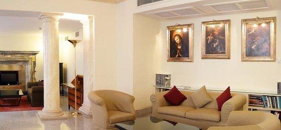 Albergo Santa Chiara: Lounge
