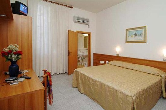 Hotel Colomba: Guest room