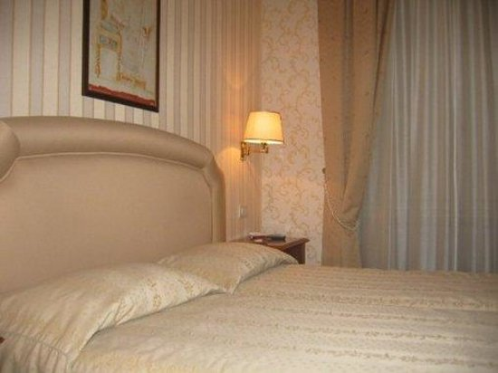 Hotel Piazza di Spagna: Bedroom