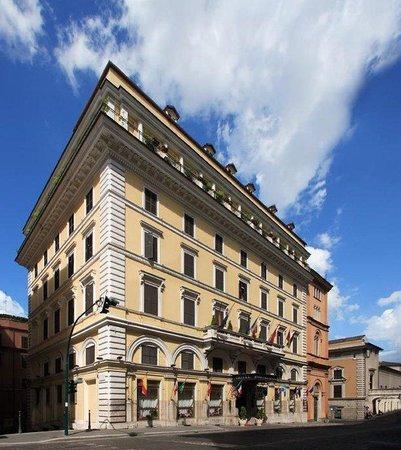 Pace Helvezia Hotel: Exterior View