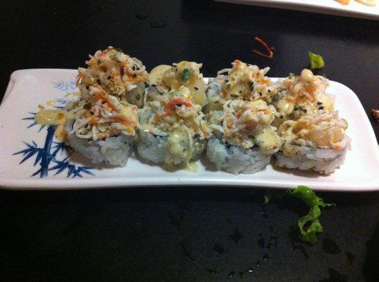 Tokyo Japanese Restaurant: My favorite yum yum roll