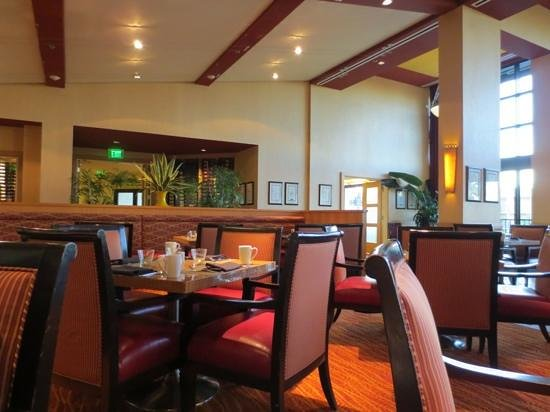 Newport Beach Marriott Hotel & Spa: restaurant