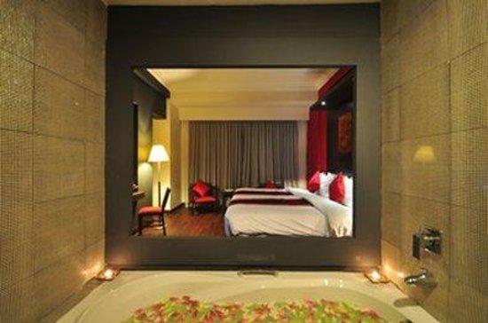 Memoire d' Angkor Boutique Hotel: Bathtube Suite Copy