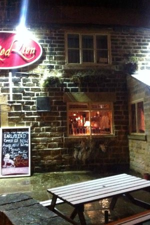 Old Red Lion: night lights