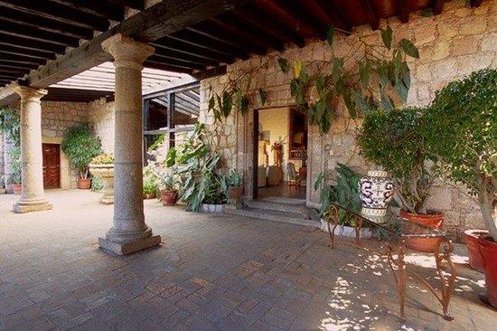 Villa Montana Hotel & Spa: Hotel Exterior