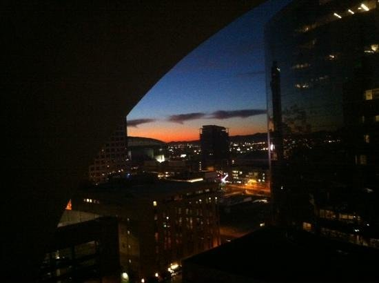 Renaissance Phoenix Downtown Hotel:                   WAKE UP PHOENIX!