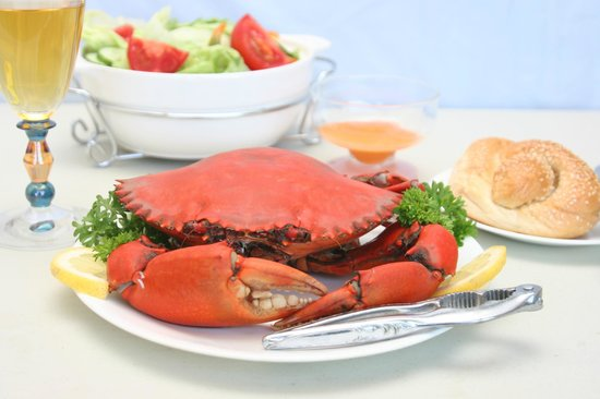Tweed Endeavour Cruises: Whole Mud Crab lunch