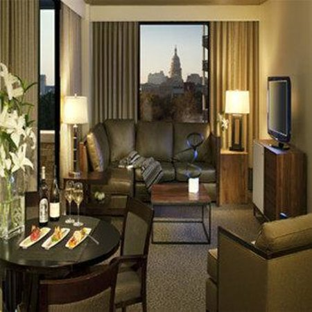 AT&T Executive Education and Conference Center: Presidential Suite Living Room