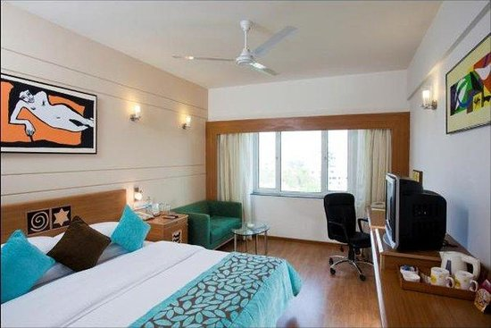 Lemon Tree Hotel, Ahmedabad: Guest Room