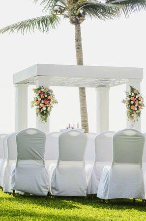 Villa La Estancia:                   Wedding                 