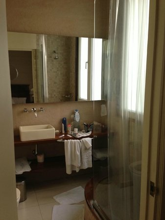 Melia Recoleta Plaza: Bathroom
