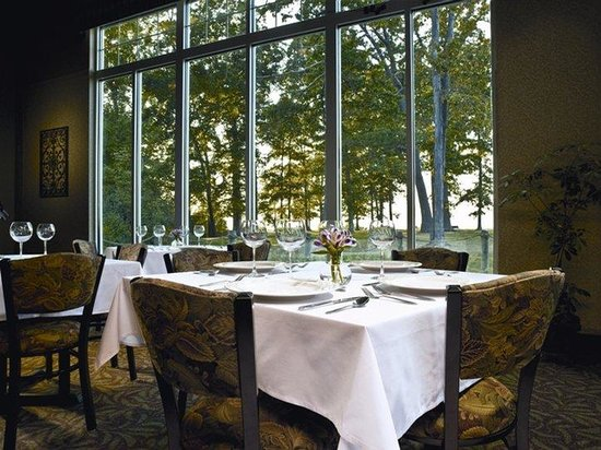 The Lodge at Geneva-on-the-Lake : Restaurant