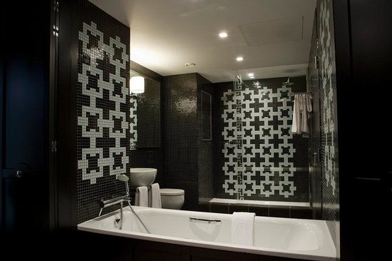 The Fitzwilliam Hotel Belfast: Bath Room