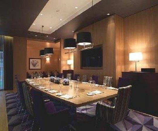 The Fitzwilliam Hotel Belfast : The Boardroom