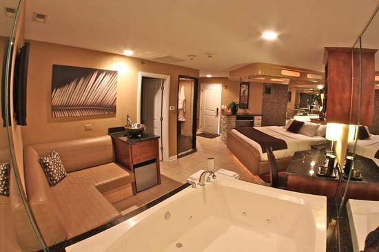 Champagne Lodge and Luxury Suites: Executive Suite
