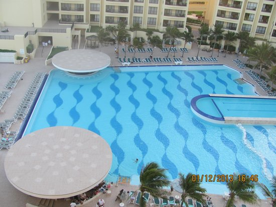 The Royal Sands Resort & Spa All Inclusive:                   Pool