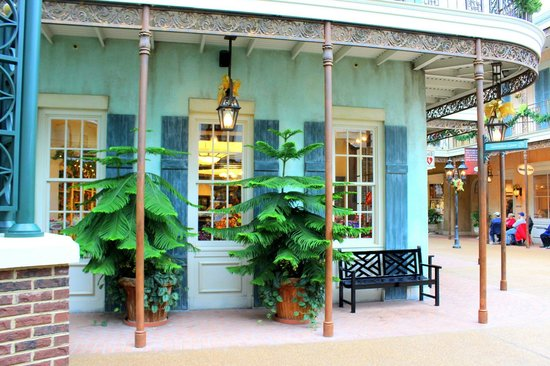 Gaylord Opryland Resort & Convention Center:                   Shopping