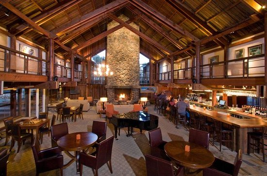 Timber Cove Inn: Sequoia Lounge