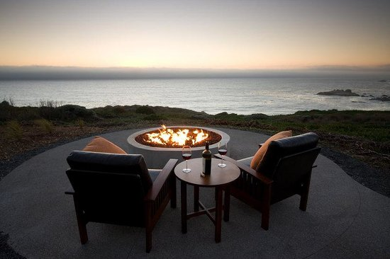 Timber Cove Inn: Fire Ring