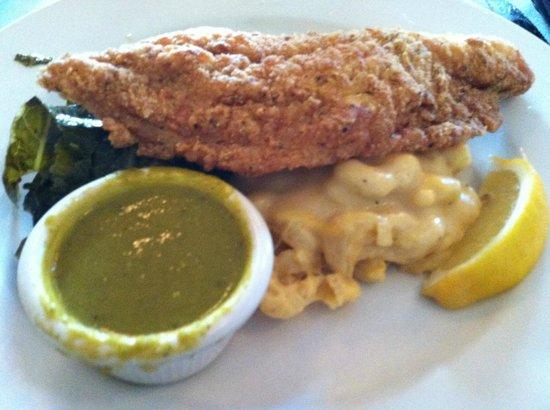 B Smith's : Catfish, greens, & mac n cheese