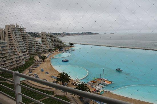 San Alfonso del Mar: Vista desde el balcón