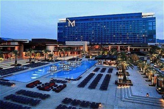 M Resort Spa Casino : Hotel Exterior
