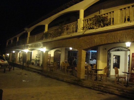 Hotel Granada :                   Front of hotel