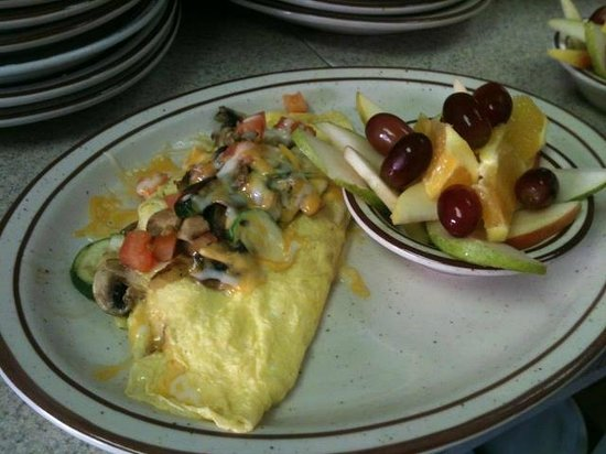 Cambria Cafe: vegetable omelette