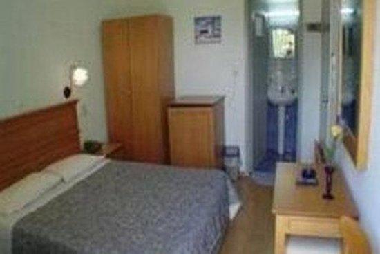 Sylvia Hotel: Guest Room
