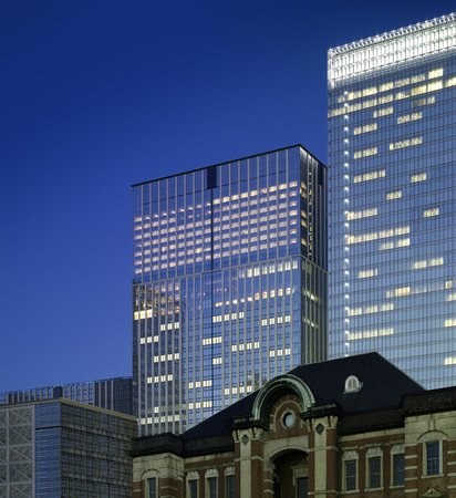 Shangri-La Hotel, Tokyo: Exterior, Tokyo Station