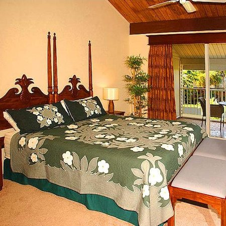 Cliffs at Princeville: Bedroom