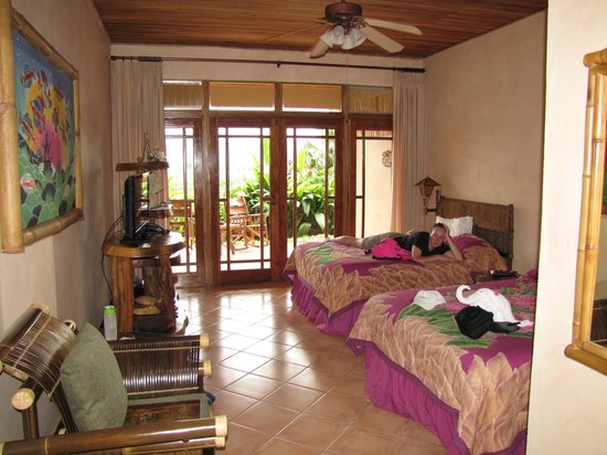 Lost Iguana Resort & Spa: Twin room