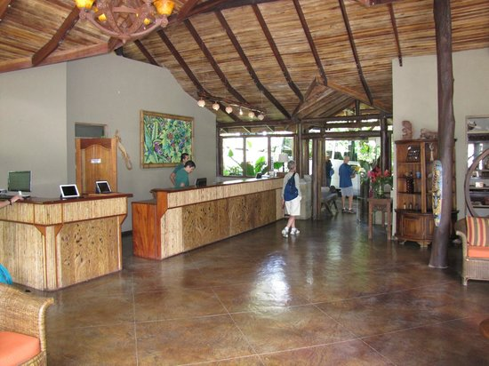 Lost Iguana Resort & Spa: Main lobby