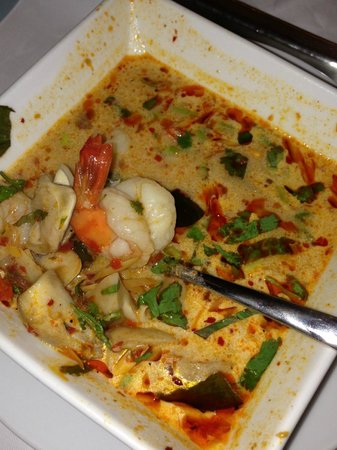 Four Points By Sheraton Bangkok, Sukhumvit 15:                   Tom yum soup