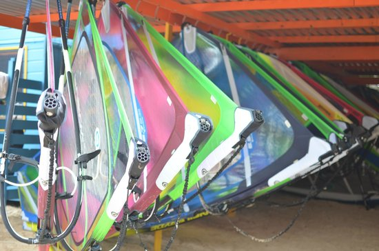 Lac Bay: windsurfing equipment
