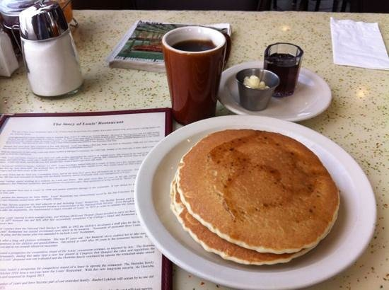Louis' Restaurant : pancakes and coffee