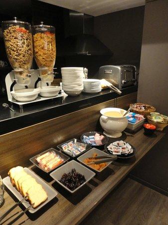 Hotel Signature St Germain des Pres:                   Breakfast