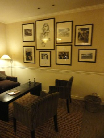 Hotel Signature St Germain des Pres:                   The lounge with pictures of Charles Lindbergh