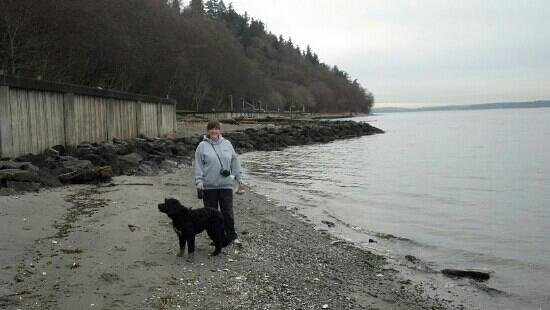 Ed Munro Seahurst Park: Taking the dog for a walk.