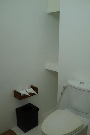 Putahracsa Hua Hin: sansky villa - toilet