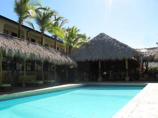 Hotel Coco Beach & Casino:                   Coco beach hotel pool
