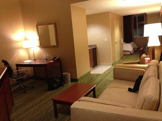 Hampton Inn & Suites Denver Downtown:                   Very spacious, clean, comfortable room!