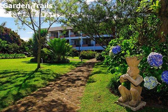 Hotel Bougainvillea: Garden Trails