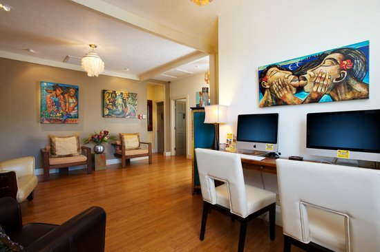 Paia, HI: Fully equipped Business Center